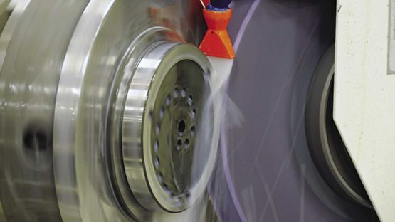 grinding-wheel-with-coolant-fluid